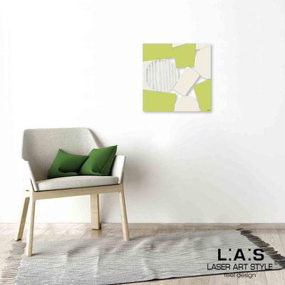 Quarantotto </br>  Codice: Q-016 | Misura: 48x48 cm </br> Colore: decoro beige-pistacchio-incisione legno
