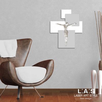 Crocifissi </br> Codice: CR19 | Misura: 54x65 cm </br>  Colore: bianco-grigio luce-incisione legno