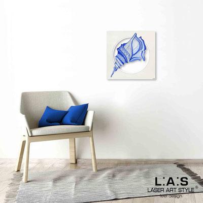 Quarantotto </br>  Codice: Q-033 | Misura: 48x48 cm </br> Colore: decoro bluette-incisione legno