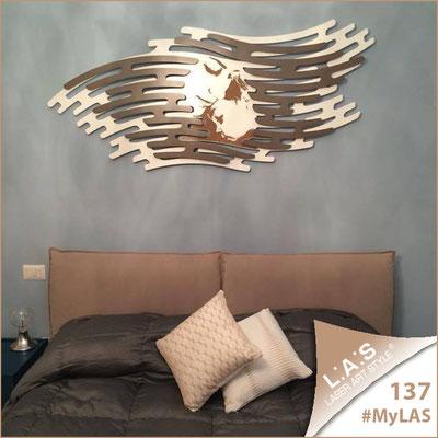 A casa di Roberta <br> Abitazione privata | Italia </br> Codice: SI-160 | Misura: 165x73 cm </br> Colore: sabbia-bronzo-incisione legno