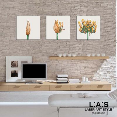 Quadri Floreali </br>  Codice: SI-101   Misura: 3pz 45x45 cm/cad </br>  Colore: panna-decoro toni caldi-incisione legno