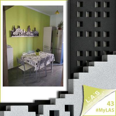 A casa di Francesco ed Erica <br> Abitazione privata   Italia </br>  Codice: SI-172   Misura: 180x60 cm </br> Colore: bianco - nero - argento