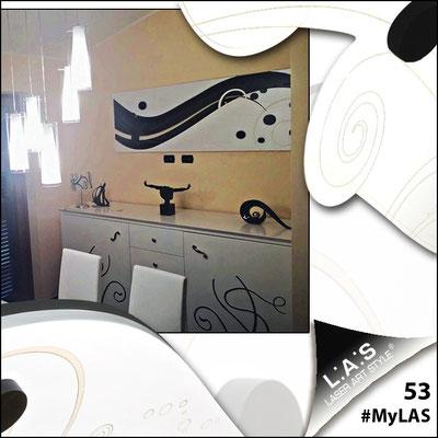 A casa di Cristian <br> Abitazione privata | Italia </br> Codice: SI-108-B | Misura: 180x58 cm </br> bianco - applicazione nero