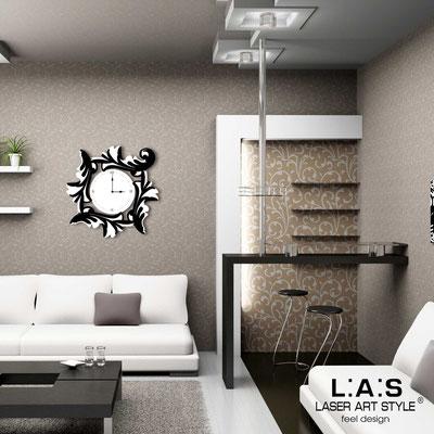 Orologi </br> Codice: SI-246OR | Misura: 60x60 cm </br> Codice: SI-246OR-L | Misura: 90x90 cm </br>  Colore: bianco-nero-incisione legno
