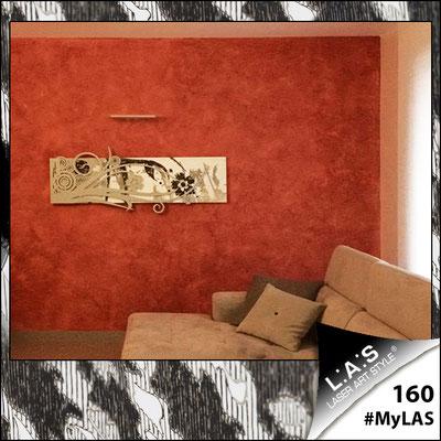 A casa di Donatella <br> Abitazione privata   Italia </br> Codice: SI-106   Misura: 148x60 cm <br> Colore: bianco-argento-incisione nero