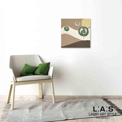 Quarantotto </br>  Codice: Q-013 | Misura: 48x48 cm </br> Colore: decoro verdone-incisione legno