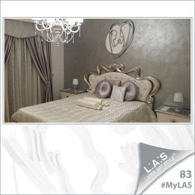 A casa di Tracy <br> Abitazione privata | Italia </br> Codice: SI-227XL | Misura: 70x90 cm </br> Colore: bianco - argento