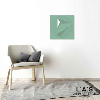 Quarantotto </br>  Codice: Q-023 | Misura: 48x48 cm </br> Colore: salvia-incisione legno