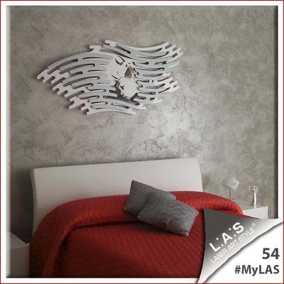 A casa di Alessandra <br> Abitazione privata | Italia </br> Codice: SI-160 | Misura: 165x73 cm </br> Colore: bianco - applicazione argento