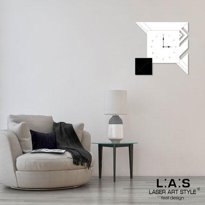 Orologi </br> Codice: SI-356 | Misura: 50x50 cm </br> Codice: SI-356L | Misura: 90x90 cm </br>  Colore: bianco-nero-incisione legno