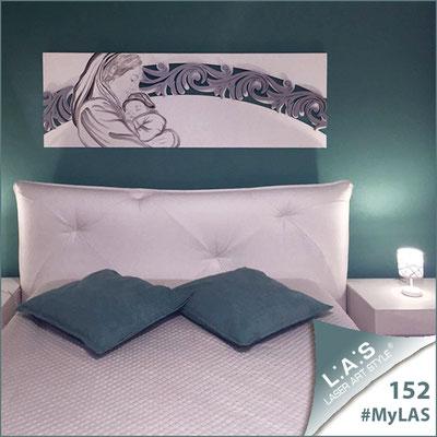 A casa di Ivano e Roberta <br> Abitazione privata | Italia </br> Codice: SI-234 | Misura: 180x60 cm </br> Colore: bianco - argento/decoro nero