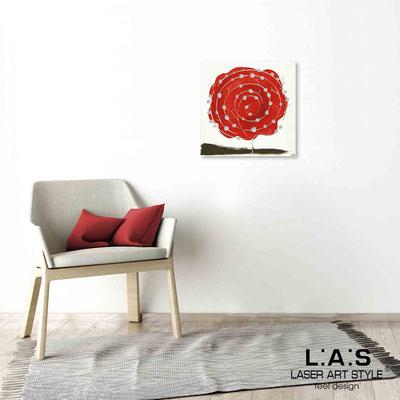 Quarantotto </br>  Codice: Q-003 | Misura: 48x48 cm </br> Colore: decoro rosso-incisione legno