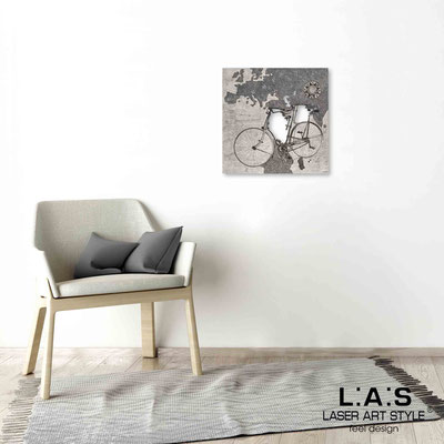 Quarantotto </br>  Codice: Q-028 | Misura: 48x48 cm </br> Colore: decoro nero-incisione legno