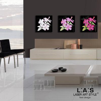 Quadri Floreali </br>  Codice: SI-102   Misura: 3pz 45x45 cm/cad </br>  Colore: nero-decoro rosa-incisione legno