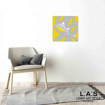 Quarantotto </br>  Codice: Q-017 | Misura: 48x48 cm </br> Colore: decoro grigio-giallo-incisione legno