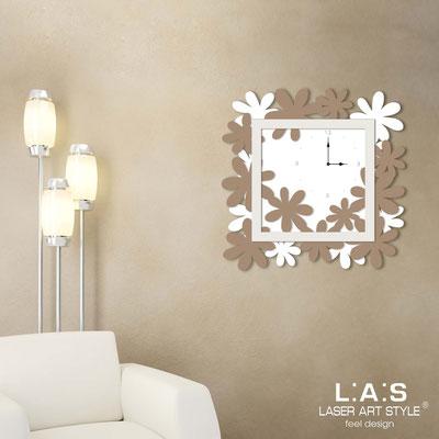 Wall clocks </br> Code: SI-207 | Size: 70x70 cm </br> Colour: white-hazel-cream