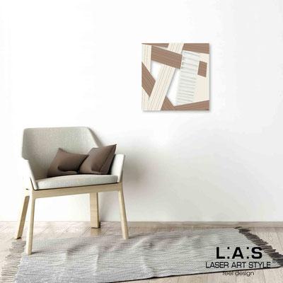 Quarantotto </br>  Codice: Q-018 | Misura: 48x48 cm </br> Colore: decoro beige-camoscio-incisione legno