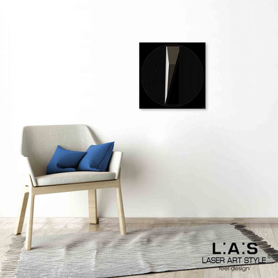 Quarantotto </br>  Codice: Q-024 | Misura: 48x48 cm </br> Colore: nero-incisione legno