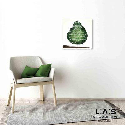 Quarantotto </br>  Codice: Q-002 | Misura: 48x48 cm </br> Colore: decoro verde-incisione legno