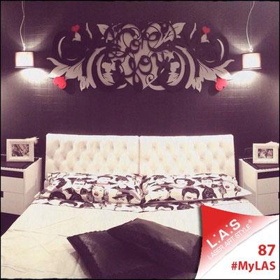 A casa di Maria Grazia <br> Abitazione privata   Italia </br> Codice: SI-212   Misura: 180x60 cm </br> Colore: argento - nero - rosso