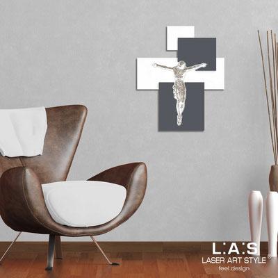 Crocifissi </br> Codice: CR19 | Misura: 54x65 cm </br>  Colore: bianco-antracite-incisione legno
