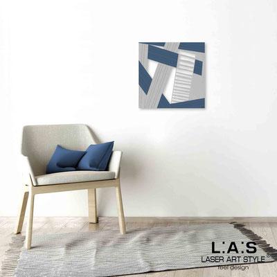 Quarantotto </br>  Codice: Q-018 | Misura: 48x48 cm </br> Colore: decoro grigio-denim-incisione legno