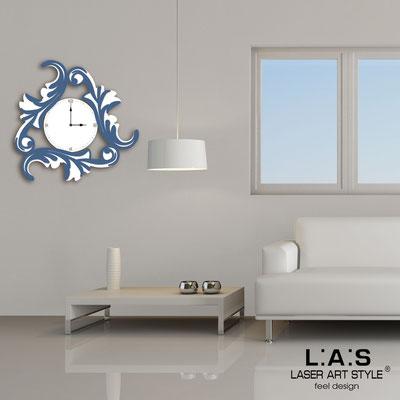 Orologi </br> Codice: SI-245OR | Misura: 60x60 cm </br> Codice: SI-245OR-L | Misura: 90x90 cm </br>  Colore: bianco-blu distante-incisione legno