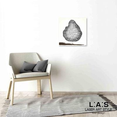 Quarantotto </br>  Codice: Q-002 | Misura: 48x48 cm </br> Colore: decoro grigio-incisione legno