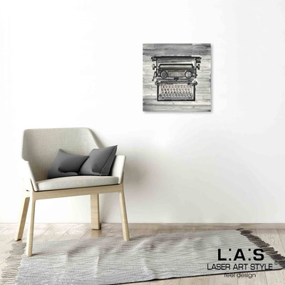 Quarantotto </br>  Codice: Q-025 | Misura: 48x48 cm </br> Colore: decoro nero-incisione legno