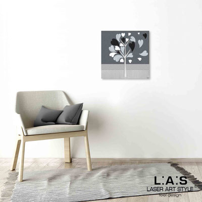 Quarantotto </br>  Codice: Q-008 | Misura: 48x48 cm </br> Colore: decoro grigio-incisione legno