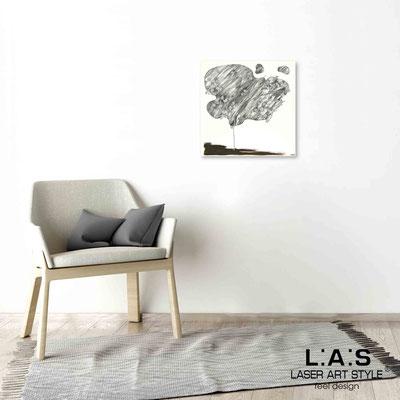 Quarantotto </br>  Codice: Q-001 | Misura: 48x48 cm </br> Colore: decoro grigio-incisione legno