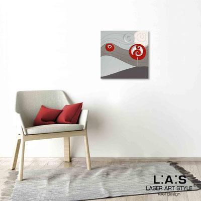Quarantotto </br>  Codice: Q-013 | Misura: 48x48 cm </br> Colore: decoro rosso-incisione legno