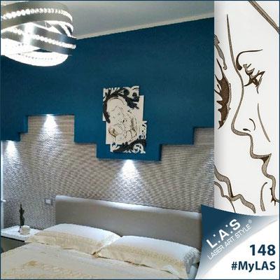 A casa di Benedetto e Alessandra | Italia </br> Codice: SI-237 | Misura: 50x65 cm </br> Colore: bianco-antracite-incisione legno