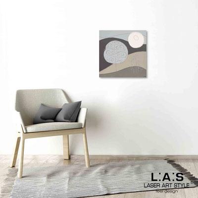 Quarantotto </br>  Codice: Q-014 | Misura: 48x48 cm </br> Colore: decoro grigio-incisione legno