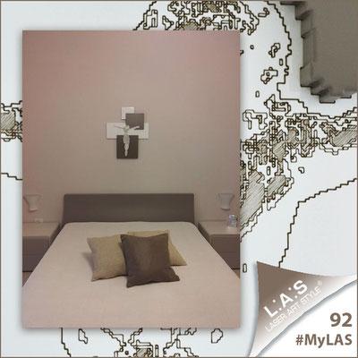 A casa di Imma <br> Abitazione privata | Italia </br> Codice: CR19 | Misura: 54x65 cm </br> Colore: bianco laccato - inserti grigio marrone