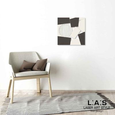 Quarantotto </br>  Codice: Q-016 | Misura: 48x48 cm </br> Colore: decoro beige-caffè-incisione legno