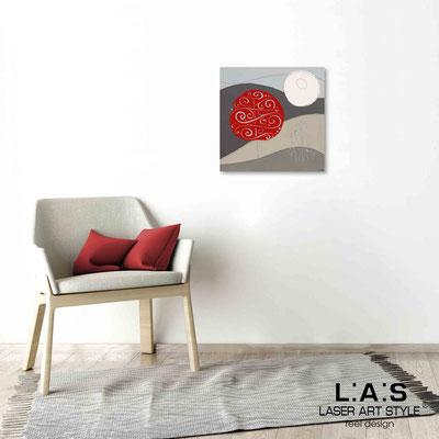 Quarantotto </br>  Codice: Q-014 | Misura: 48x48 cm </br> Colore: decoro rosso-incisione legno