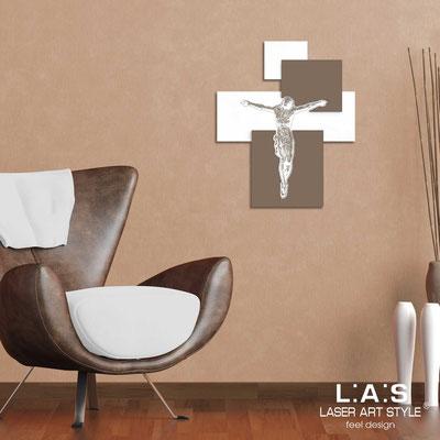 Crocifissi </br> Codice: CR19 | Misura: 54x65 cm </br>  Colore: bianco-grigio marrone-incisione legno
