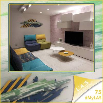 A casa di Luana e Giancarlo <br> Abitazione privata | Italia </br> Codice: SI-254 | Misura: 180x60 cm </br> **PERSONALIZZATO** Colore: blu distante-giallo/decoro grigio verde