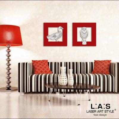Esempio di composizione </br> Codice: SI-128AQ-S | Misura: 45x45 cm </br> Codice: SI-128CQ-S | Misura: 45x45 cm </br> Colore: rosso-bianco-incisione legno