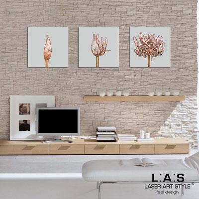 Quadri Floreali </br>  Codice: SI-101   Misura: 3pz 45x45 cm/cad </br>  Colore: grigio luce-decoro ruggine-incisione legno
