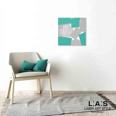 Quarantotto </br>  Codice: Q-016 | Misura: 48x48 cm </br> Colore: decoro grigio-acquamarina-incisione legno