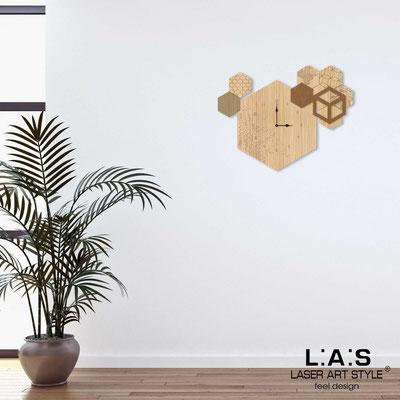 Orologi </br> Codice: MW-310 | Misura: 65x50 cm </br> Codice: MW-310L | Misura: 95x70 cm </br>  Colore: natural wood-bronzo-incisione legno