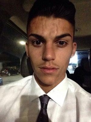 Giovanni Reina in viaggio alla volta di Coverciano mentre pensa a chi affittare una stanza nell'appartamento universitario di Palermo