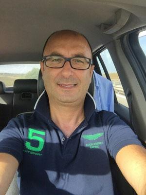 l'OA CAN/D Carmelo Parisi in viaggio per una visionatura nel messinese. Appizzata dietro si intravedono camicia e giacca della dotazione ufficiale!