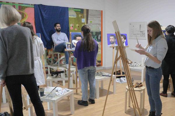 Porträtmalerei nach dem Modell in der Kunstschule Artgeschoss