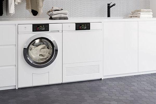 Waschmaschine und Tumbler V-ZUG