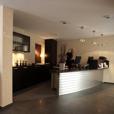 Hotel zum weissen Kreuz Luzern, Empfang und Hotelumbau