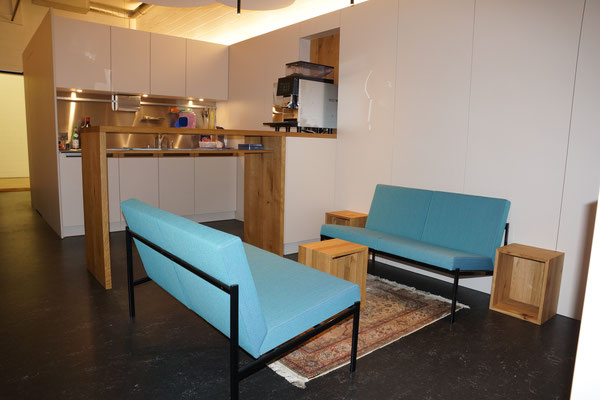 Kleinküche mit Sitzbereich, Baar