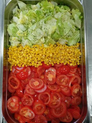 Gesunde Schulverpflegung bei © Brot und Spiele Postbauer-Heng - Bunter Salat
